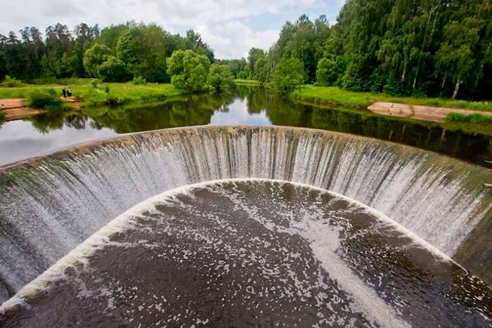 Старая ГЭС в Яропольце